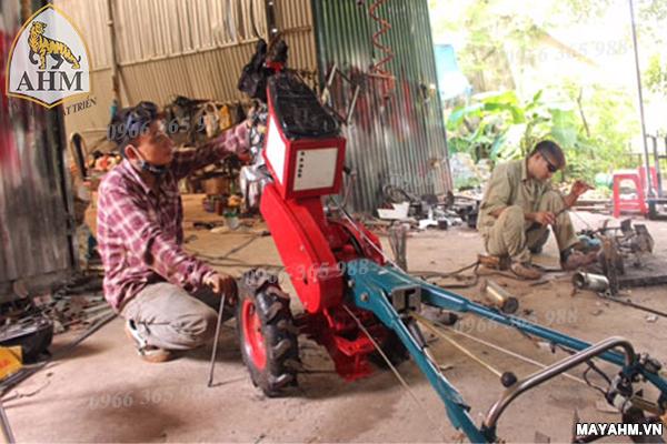 nguyên lí làm việc của máy xới đất giá rẻ.